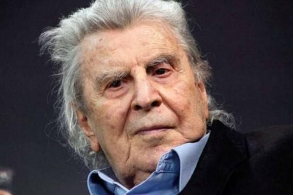 «75 χρόνια, ίδια μυαλά!» - Παρέμβαση Μίκη Θεοδωράκη για τον αποκλεισμό καλλιτεχνών από τα επιδόματα των 800 και 600 ευρώ