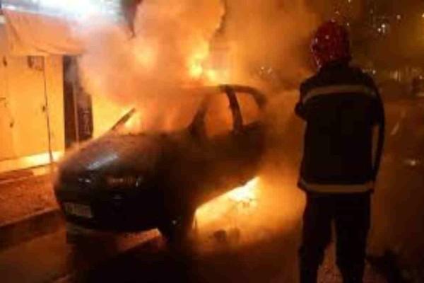 Θεσσαλονίκη: Έριξαν μολότοφ σε γνωστό εργοστάσιο  - Ισχυρή φωτιά σε ένα κλεμμένο αυτοκίνητο
