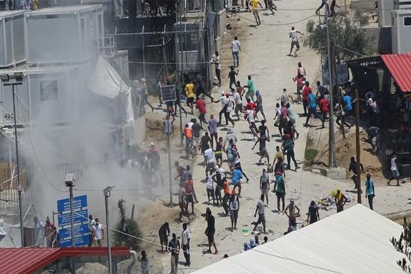 Φαρ Ουεστ η Λέσβος: 55χρονος πυροβόλησε και τραυμάτισε δύο μετανάστες στη Μόρια!