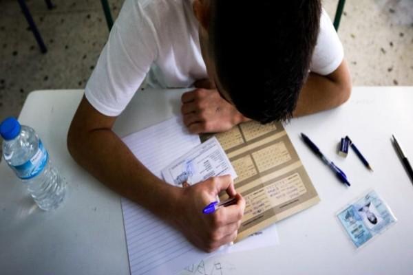Κορωνοϊός: Σε πρώτο πλάνο η Γ' Λυκείου για το άνοιγμα των σχολείων - Τα δεδομένα για τα Πανεπιστήμια