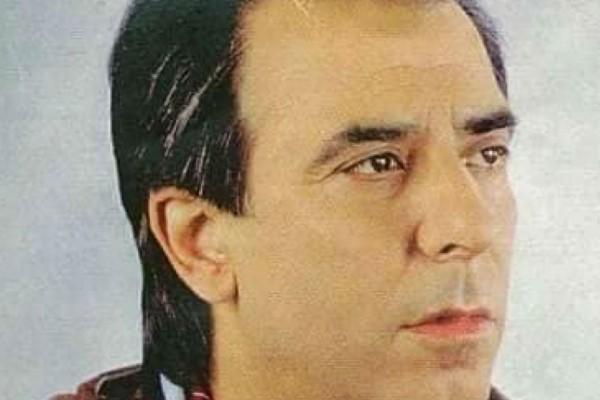 Πέθανε ο τραγουδιστής Δημήτρης Νεζερίτης