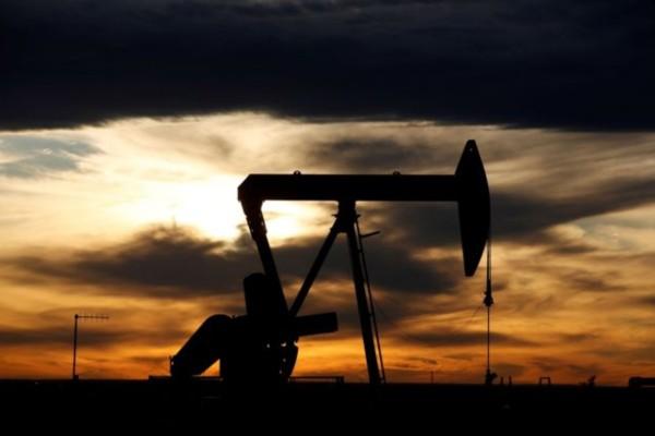 Κορωνοϊός: Νέα συντριπτική πτώση του πετρελαίου στα 10 δολάρια