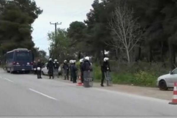 Συναγερμός στη Ριτσώνα - «Έσπασαν» την καραντίνα και έφυγαν από την πίσω πλευρά
