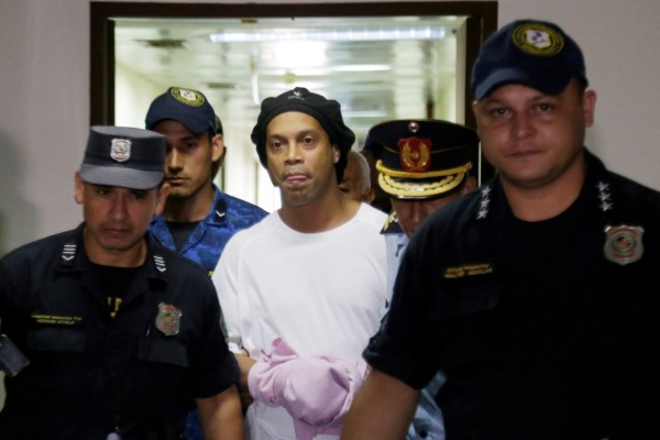 Ροναλντίνιο: Αποφυλακίστηκε με εγγύηση 1.6 εκατ. δολάρια - Συνεχίζει σε περιορισμό
