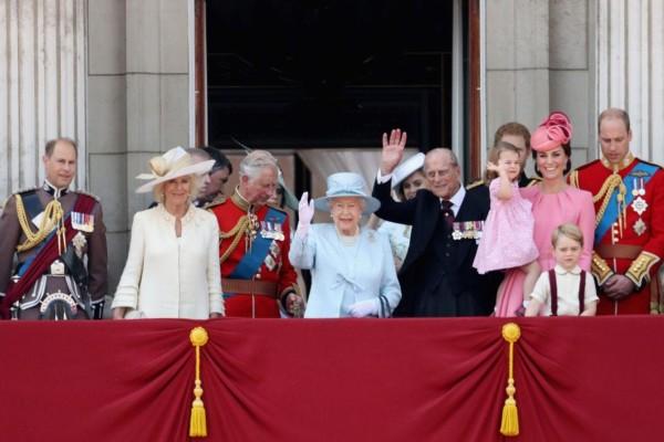 Ετοιμάζεται γάμος στο Buckingham παρά τον κορωνοϊό!