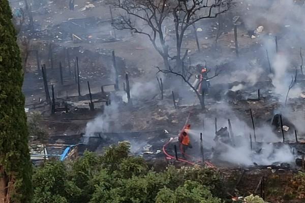 Συναγερμός στη Σάμο: Μετά τη φωτιά στη δομή προσφύγων τώρα και άγριες συμπλοκές