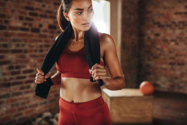 Το πιο αποτελεσματικό πρόγραμμα γυμναστικής που θα σου χαρίσει κοιλιακούς