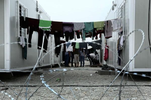 Συναγερμός στο Σκαραμαγκά: Επεισόδια μεταξύ μεταναστών - Σοβαρά τραυματισμένος ένας 19χρονος