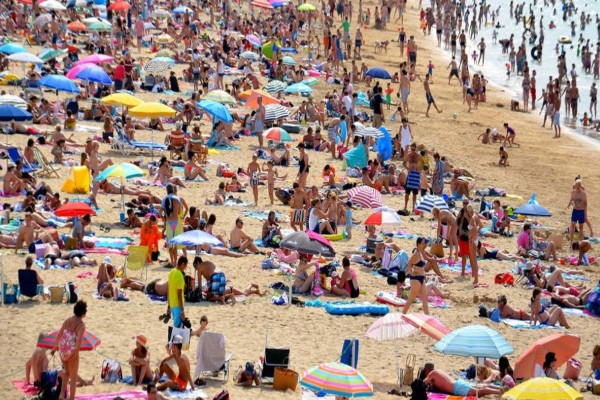Κορωνοϊός: Ανοίγει τα σύνορα για τους τουρίστες τον Ιούλιο η Κυβέρνηση