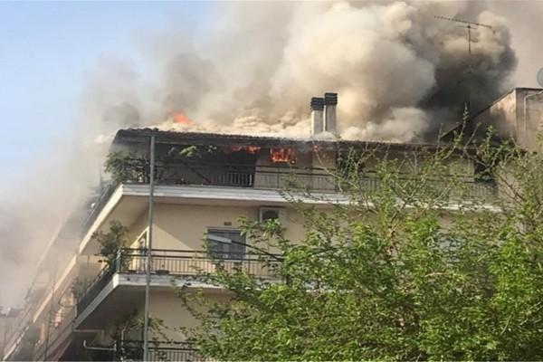 Πυρκαγιά σε πολυκατοικία στα Τρίκαλα