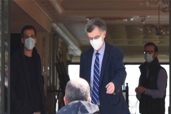 Κορωνοϊός: Έδωσε οδηγίες για το πώς να χρησιμοποιούμε τις υφασμάτινες μάσκες ο Σωτήρης Τσιόδρας