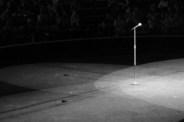 Σοκ στον καλλιτεχνικό κόσμο: Πέθανε πασίγνωστη τραγουδίστρια (photo-video)