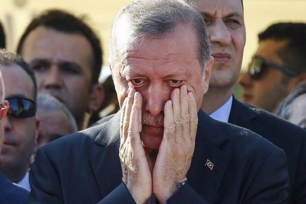 Καταρρέει η οικονομία της Τουρκίας: Ώρα μηδέν για τον Ερντογάν