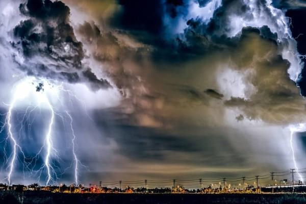 Φθινόπωρο λίγο πριν το καλοκαίρι: Ισχυρές καταιγίδες και την Τρίτη