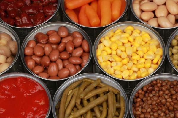 6 καρκινογόνα τρόφιμα: Πετάξτε τα άμεσα από το σπίτι σας