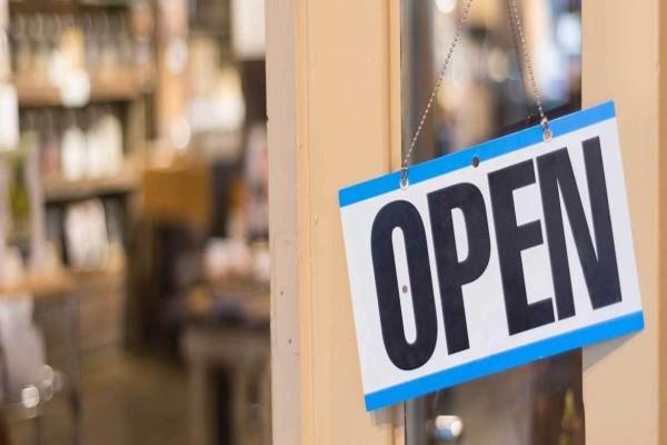 Παπαθανάσης: Αυτά τα καταστήματα ανοίγουν τη Δευτέρα - Δείτε το ωράριο λειτουργίας