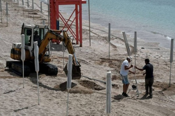 Άρση μέτρων - παραλίες: Σχεδόν όλα έτοιμα - Τα αυστηρά μέτρα και τα πρόστιμα