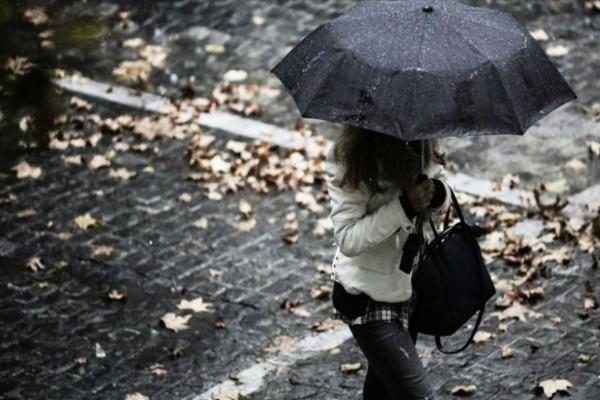 Χειμωνιάτικο το σκηνικό του καιρού - Πτώση της θερμοκρασίας, βροχές και καταιγίδες σε όλη τη χώρα