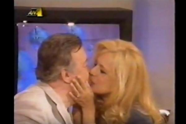 Το τελευταίο φιλί της Βουγιουκλάκη με τον Παπαμιχαήλ στον «Πρωινό Καφέ» πριν το θάνατό της - Βίντεο ντοκουμέντο