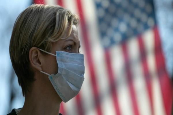Το δράμα δε σταματά στις ΗΠΑ: Πάνω από 2.000 νεκροί από κορωνοϊό για ακόμη ένα 24ωρο