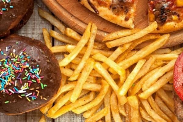 5 τροφές που προκαλούν γρήγορο «θάνατο» - Πλούσιες σε λιπαρά, ζάχαρη και αλάτι