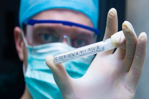 «Όταν είδα τον κορωνοϊό...» - Συγκλονίζει Ελληνίδα καθηγήτρια για το πρώτο κρούσμα στην χώρα