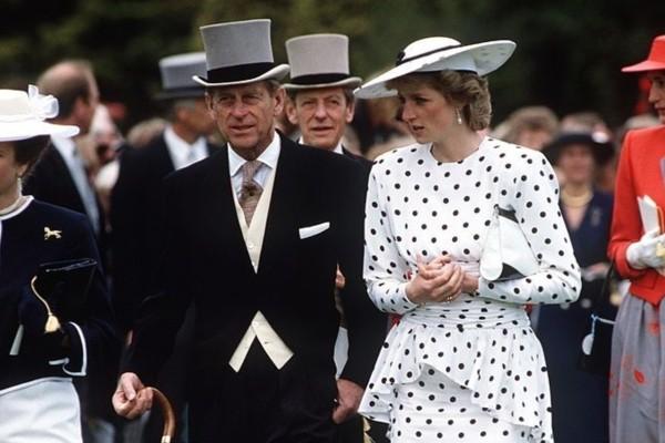 Σάλος στο Buckingham: Στην φόρα το επτασφράγιστο μυστικό της Πριγκίπισσας Νταϊάνα και του Πρίγκιπα Φιλίππου