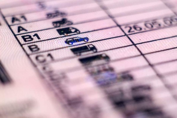 Ανατροπή με το δίπλωμα οδήγησης λόγω κορωνοϊού: Έρχεται… με ένα τηλεφώνημα στο σπίτι σας