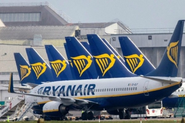 Ryanair: Ξεκινάει ξανά τις πτήσεις για Ελλαδα