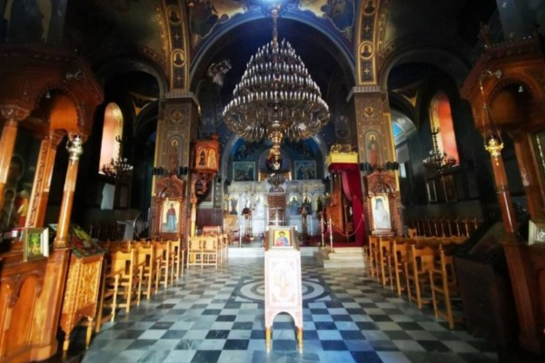 Κορωνοϊός - Εκκλησίες: Παράταση στα περιοριστικά μέτρα - Πότε ανοίγουν;