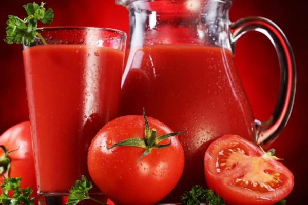 Έπινε χυμό ντομάτας κάθε μέρα επί 2 μήνες - Μόλις είδε το αποτέλεσμα έπαθε σοκ