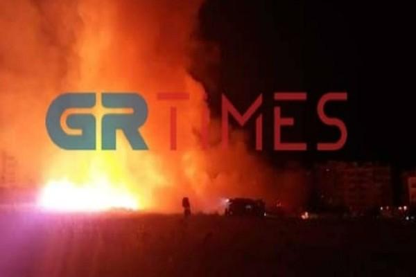 Φωτιά στον Εύοσμο Θεσσαλονίκης - 150 μέτρα οι φλόγες από τα σπίτια (Video)