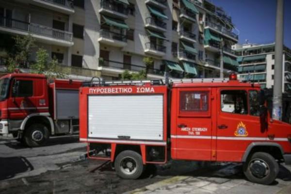 Φωτιά σε μονοκατοικία στην Πατησίων