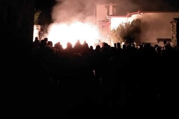Πανικός στην Πέλλα: Έβαλαν φωτιά σε ξενοδοχείο φιλοξενίας προσφύγων