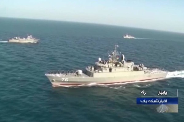Τραγωδία στο Ιράν: Φρεγάτα βύθισε πλοίο, φόβοι για πάρα πολλούς νεκρούς