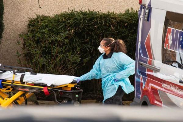 Κορωνοϊός: Δεν έχει τέλος η τραγωδία στις ΗΠΑ - 2.333 νεκροί μέσα σε ένα 24ωρο