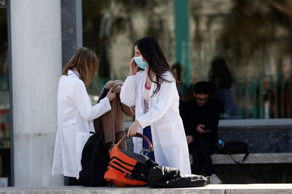 Κορωνοϊός: Ένας ακόμη θάνατος στην Ελλάδα - 21 νέα κρούσματα και 2.873 συνολικά