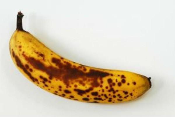 Αυτό θα γίνει στο σώμα σας αν καταναλώνετε μπανάνες με μαύρα στίγματα - Δεν πάει το μυαλό σας