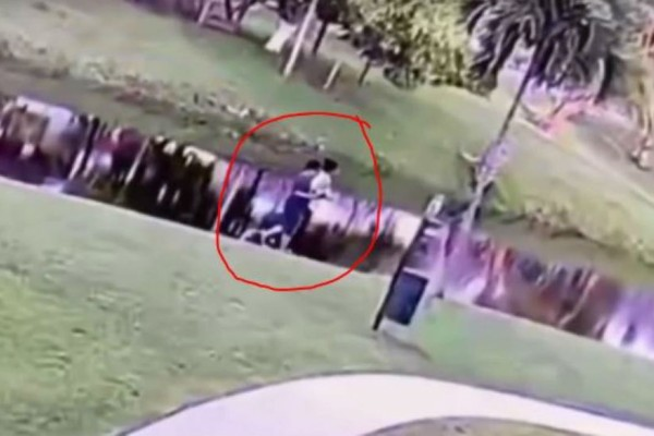 Φρίκη: Μητέρα σκότωσε τον 9χρονο αυτιστικό γιο της - Σοκαριστικό βίντεο δείχνει να τον ρίχνει σε ποτάμι
