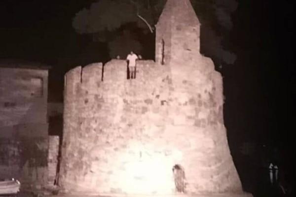 Βίντεο σοκ: 17χρονος έπεσε από τον Φάρο της Ναυπάκτου!