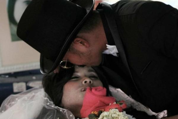 35χρονος άνδρας παντρεύτηκε τη... νεκρή αρραβωνιαστικιά του