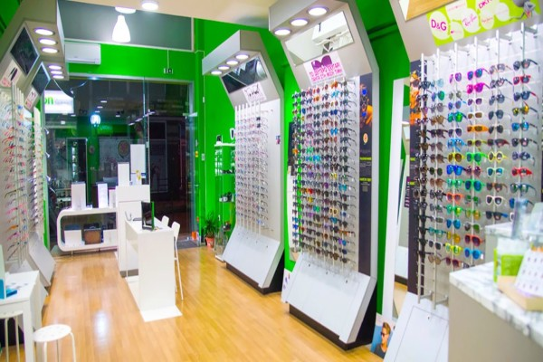 Κορωνοϊός: Έτσι θα πάρετε γυαλιά και φακούς επαφής με τα νέα μέτρα