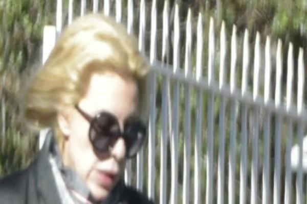 Παραμορφώθηκε η Αννίτα Πάνια: Το βίντεο που
