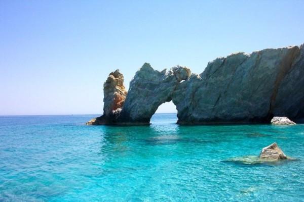 Προχωρά το σχέδιο για τον τουρισμό: Θέλει άνοιγμα συνόρων την 1η Ιουλίου η Κυβέρνηση - Συνεργασία με Κύπρο και Ισραήλ
