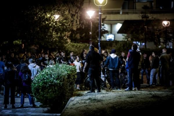 Πάρτι με… ένταση το βράδυ στην Αθήνα: Συνωστισμός στις πλατείες και μικροεπεισόδια