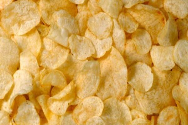 Γρήγορος θάνατος - Ένα σακουλάκι από πατατάκια μπορεί να βλάψει σοβαρά την υγεία