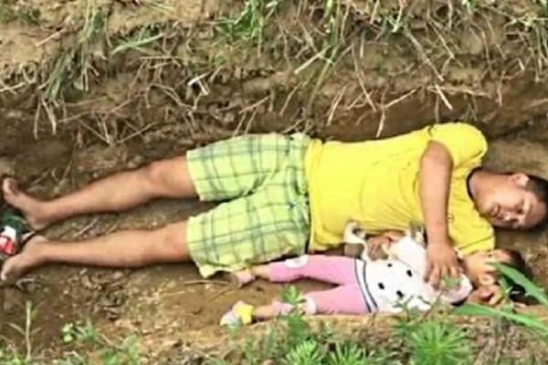 Έσκαψε τον τάφο της κόρης του και ξάπλωσε μαζί της μέσα - Ο λόγος που το έκανε, θα σας συγκλονίσει