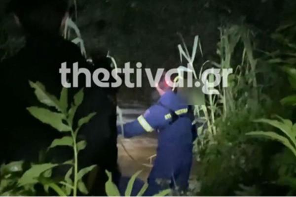Θεσσαλονίκη: 21χρονος παρασύρθηκε από χείμαρρο - Οι συγκλονιστικές στιγμές της διάσωσής του (Video)