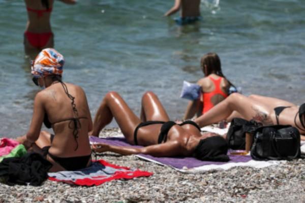 Αυτές είναι οι 19 χώρες που θα στείλουν πρώτες τουρίστες στην Ελλάδα (Video)