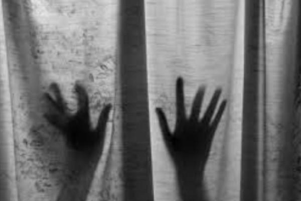 Φρίκη στην Ουκρανία: Αστυνομικός βίασε 26χρονη κοπέλα μέσα στο τμήμα